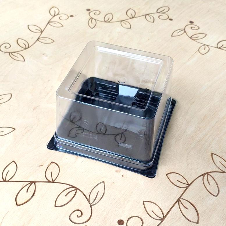Упаковка для десерта 138х138 мм, h-80мм Черная