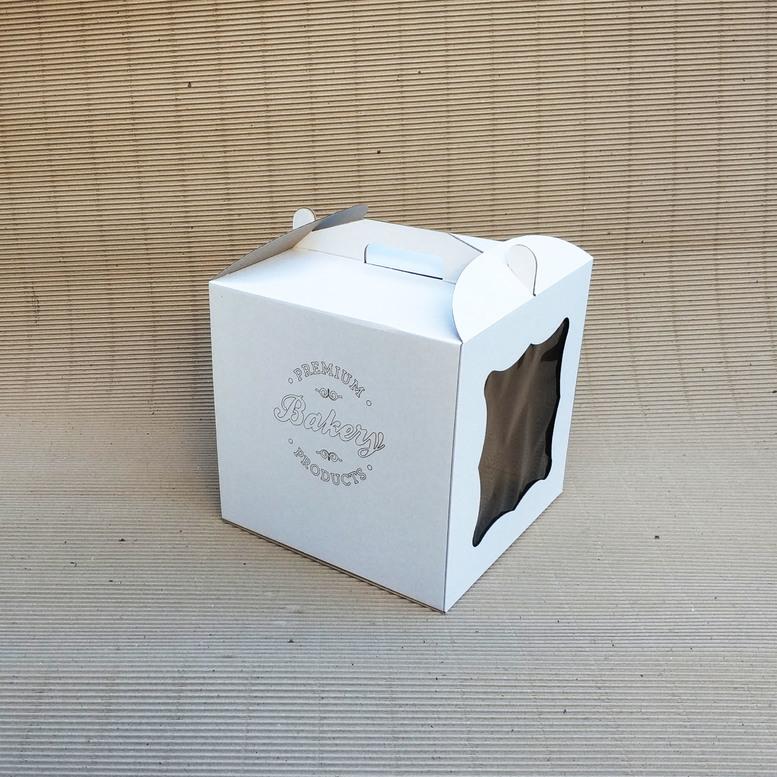 Коробка для торта 300х300х300 белая с окном, м/г. с гравировкой