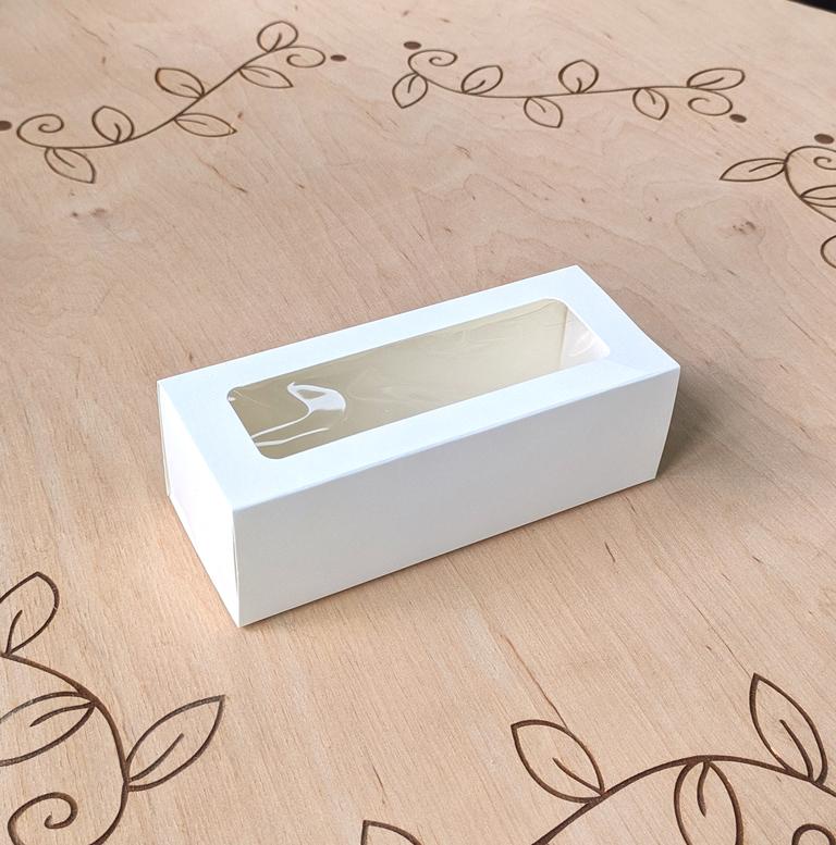 Коробка для 5 макаронс 140х55х45 с окном Белая