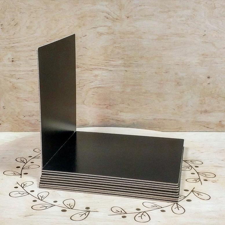 Поднос черный 30х30 ДВП квадратный (торец дерево)